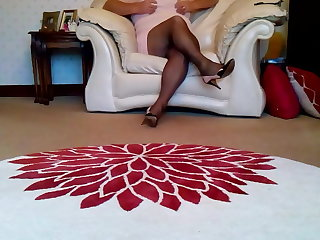 Nigerian Cum in nearly black tights