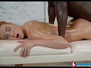 This milf gets blacked during a massage