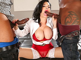 Veronica Avluv didn't think much about an interracial threesome Veronica Avluv